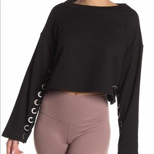 Alo Black Suspension Cropped Pull Over Large